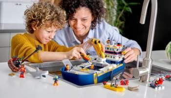 LEGO-City-Ocean-Exploration-Ship