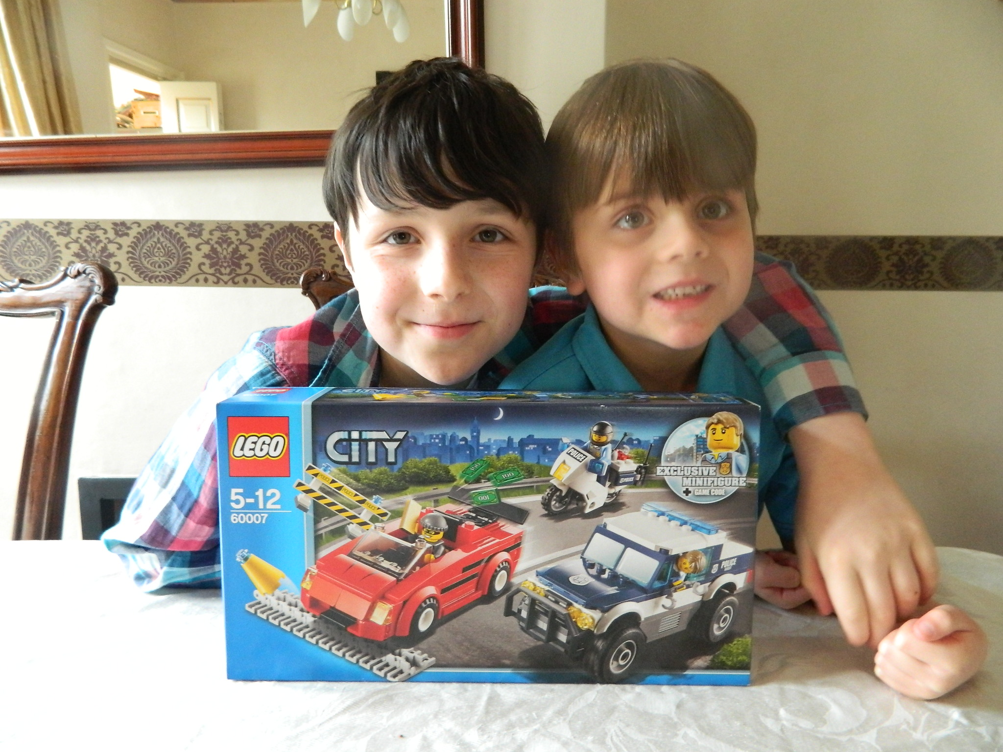 LEGO CITY UNDERCOVER High Speed Chase Hag Con And Dad