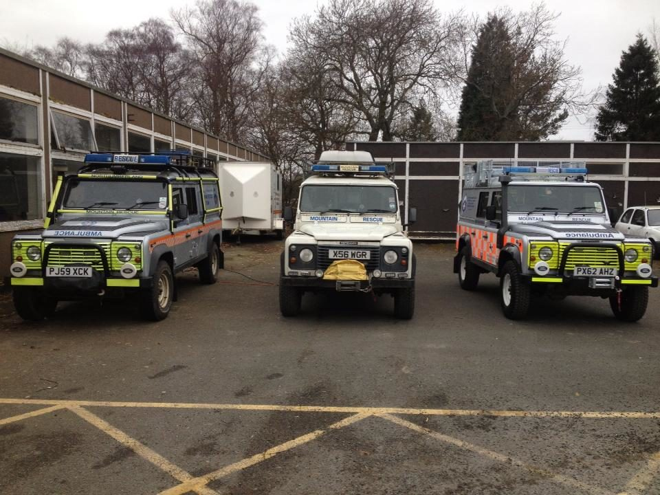 mountain_rescue_land_rovers