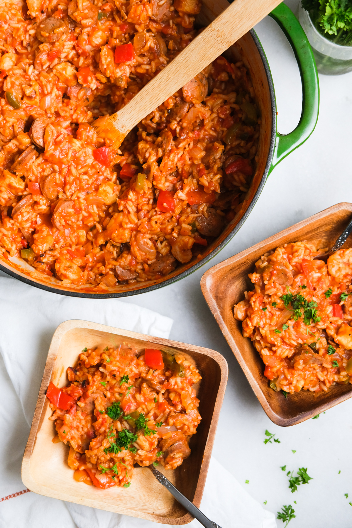 one pot jambalaya with bowls