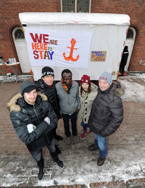 Einweihung Bauwagen für Lampedusa Hamburg, Spende von Kiezhelden