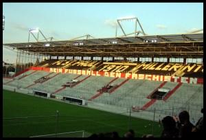 Kein Fußball den Faschisten! auf der Gegengerade vom Millerntor-Stadion