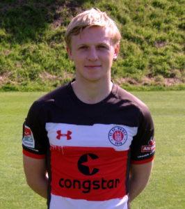 Portraitfoto Mats Møller Dæhli, Spieler vom FC St. Pauli, in der Sommerpause 2017