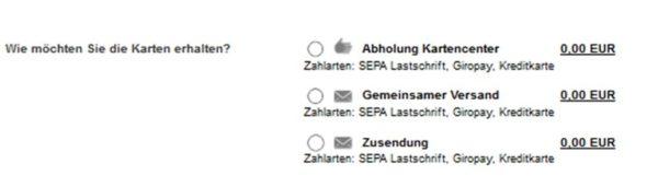 Auswahlbox mit 3 Optionen: Abholung Kartencenter, gemeinsamer Versand oder Zusendung. Alle drei Optionen mit folgenden Zahlarten: SEPA Lastschrift, Giropay, Kreditkarte.