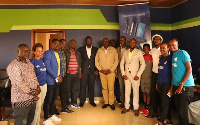 Bifuza ko abakunzi ba Rayon Sports bakongera gusenyera umugozi umwe