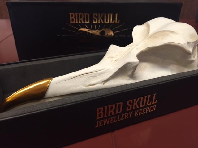suck uk bird skull