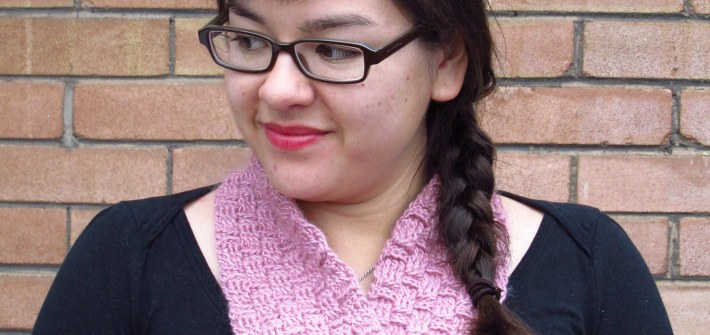 DIY: Sakura Crocheted Basketweave Möbius Cowl, free pattern