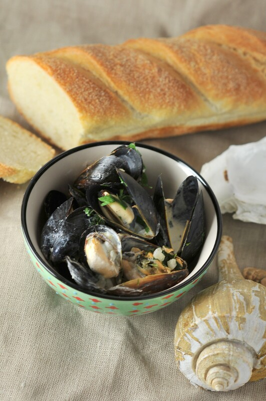Mussels with White Wine Cream Sauce