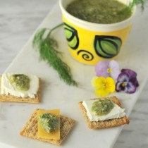 Cheese and Crackers with Pesto