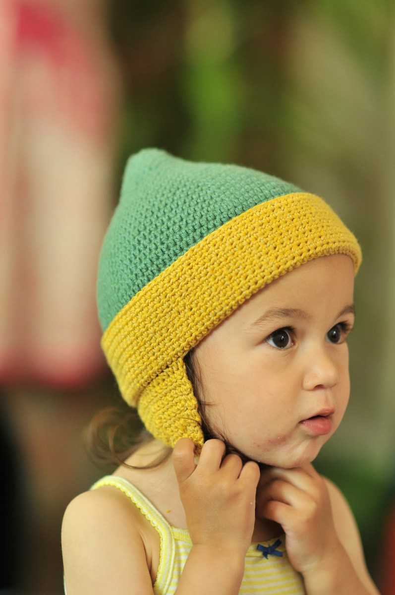 DIY: Crochet Toddler Earflap Hat and Free Pattern