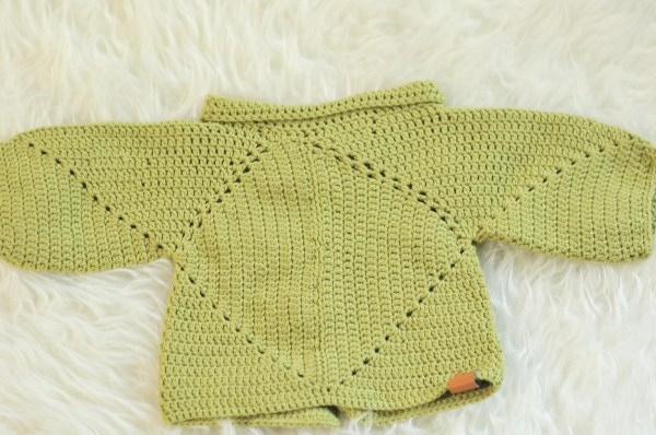 6782a347c4a3 DIY  Sue s No Holes Hexagon Baby Cardigan and Free Pattern - Kiku Corner