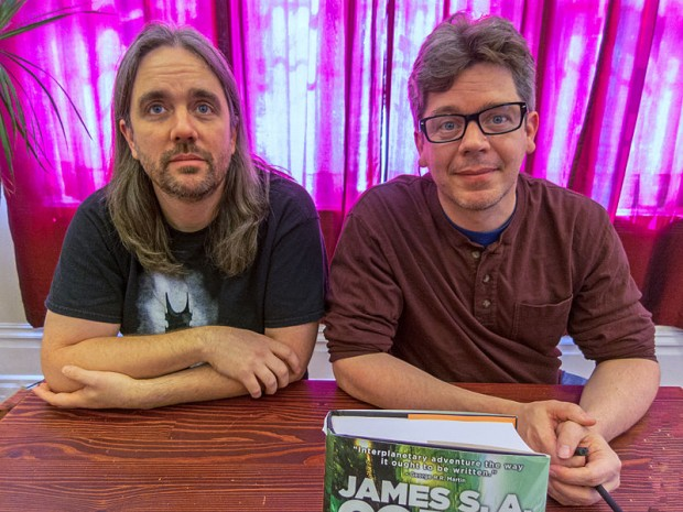James Corey Ty Franck és Daniel Abraham