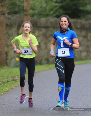 Ana Prieto and Lola Eagar set a hot pace