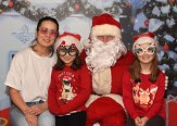 Kasia, Sonya and Kaya Haliniak meeting Santa Claus in Killarney Outlet Centre
