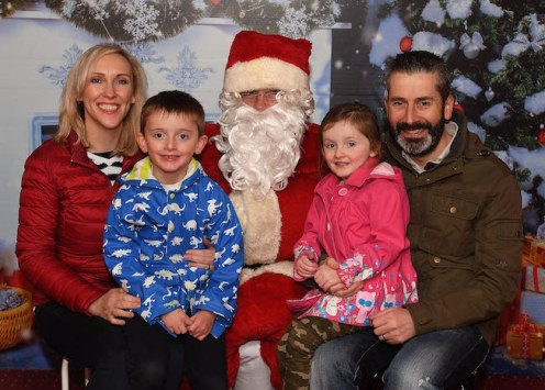 Dawn and Kevin Goff with children Daire and Roisin