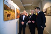 Peter O'Toole (left) with Pat Dawson, Manager, Killarney House Visitor Centre, and Minister for State Brendan Griffin