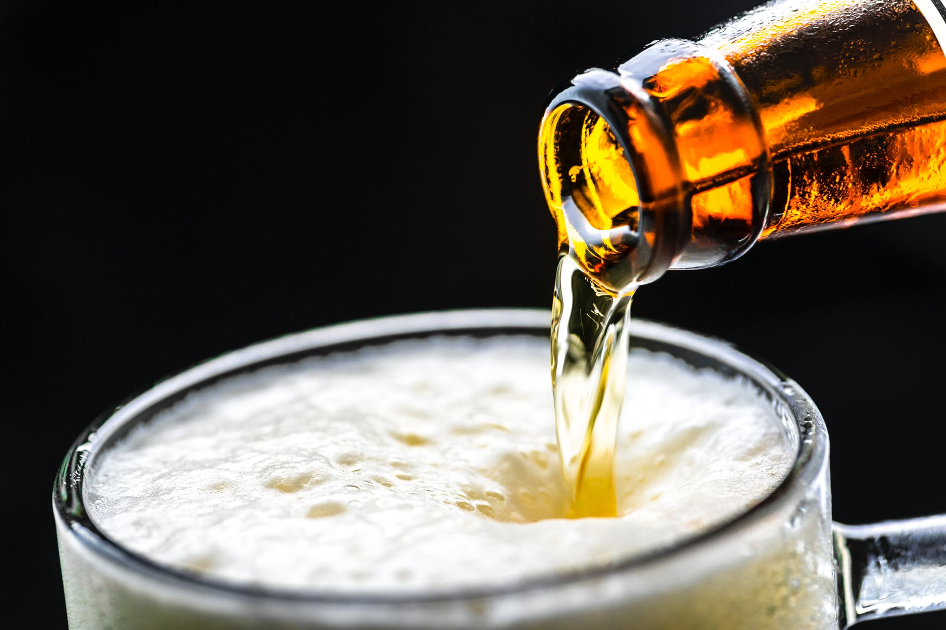 Get a beer, wine, liquor delivered with few simple touches on your phone: Beer Delivery app