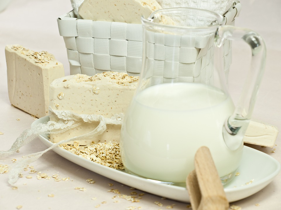 benefits of oatmeal soap
