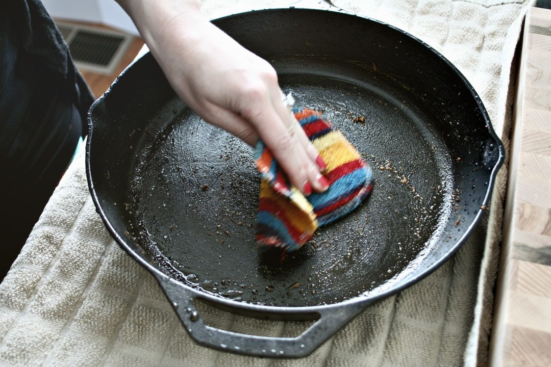Cleaning Cast Iron 3