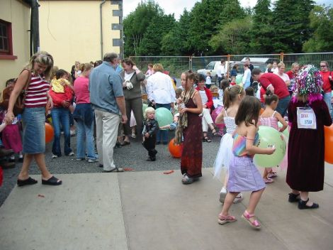 fancy dress 2003