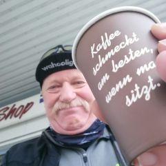Kaffee bei der Tanke...