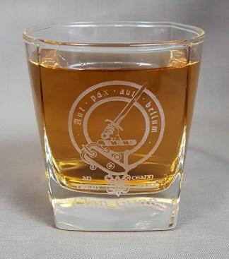 Gunn Clan Crest Whisky Glass