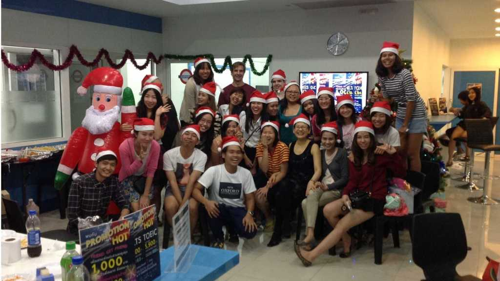 Christmas in Thailand with Way's Thammasat University students