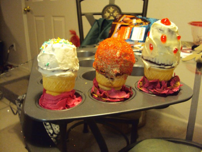 cupcakes inside ice cream cones - version 2