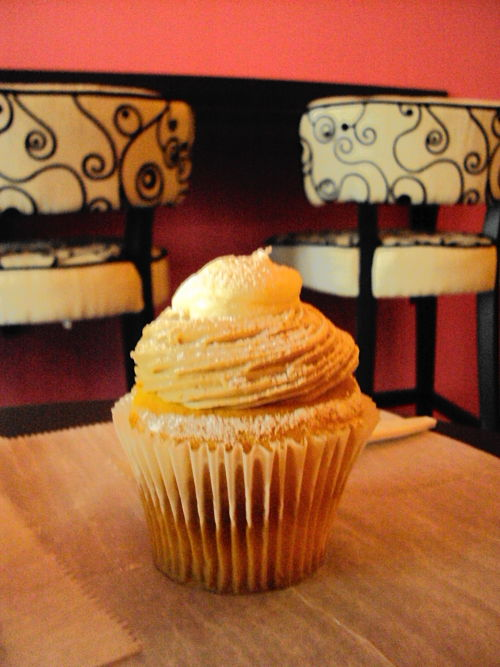 stuffed french toast cupcake cupcakes a la mode