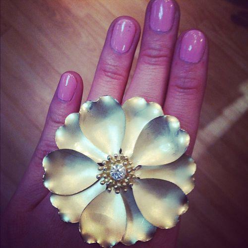 flower ring solemates boutique van buren arkansas