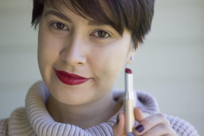 kimberlyloc wears jane iredale puremoist lipstick in margi