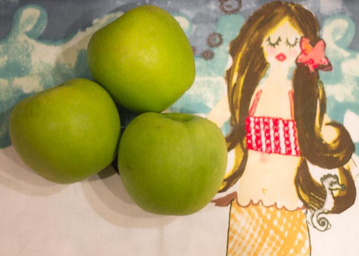 diy brightening apple mask