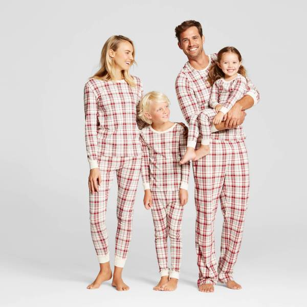 cotton_plaid_family_matching_pajamas