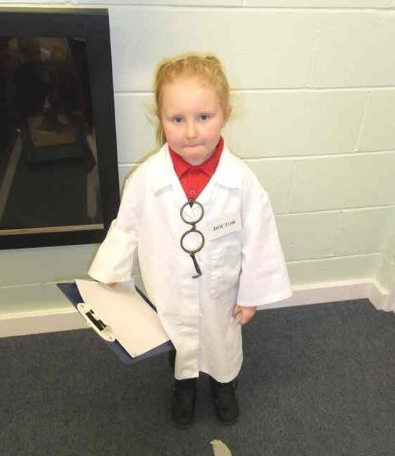 Foundation stage scientists