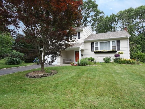 Montrose Ave Split Level Nj Home For Sale New Jersey Real