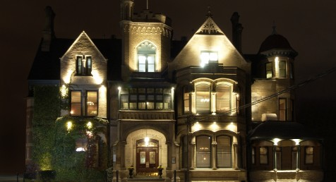 At the Keg Mansion a maid can been seen hanging in the main foyer, and ghostly children's voices have been heard upstairs. Ask to see their ghost stories at dinner.