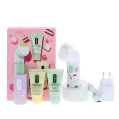 Clinique 3-Step Skincare Gift Set with Brush