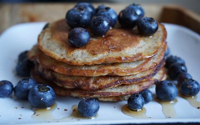 Healthy Banana & Flaxseed Pancakes