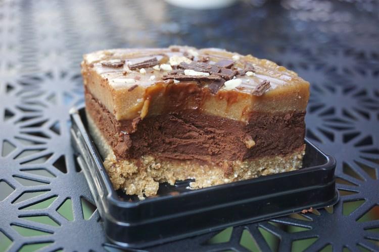 Rawligion zillionaire shortcake gluten free chocolate cake | raw vegan, gluten free, dairy free, plant based | Rawligion gluten free london | Fitzrovia