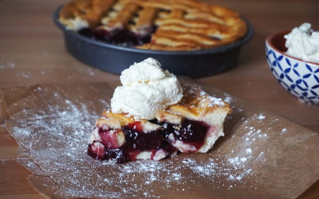 Gluten Free Yoghurt Pie Crust {feat. Easy Lattice Cherry Pie}