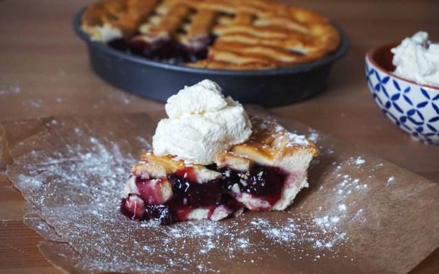 Gluten Free Yoghurt Pie Crust {feat. Easy Lattice Cherry Pie}