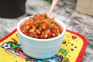 Easy spicy pickled jalapeño salsa