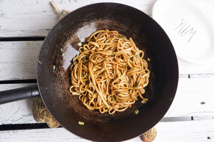 Proper gluten free Chinese egg noodles - stir fried / chow mein / lo mein noodles - made with Doves Farm bread flour and tapioca starch
