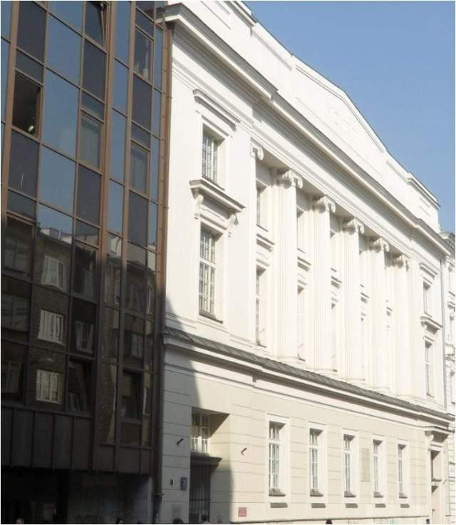 Biblioteka dobrym miejscem dla genealoga Gmach Biblioteki na Koszykowej
