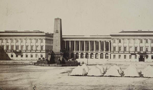 Architektura w genealogii - Plac Saski - Pomnik Polaków poległych za wierność swojemu monarsze
