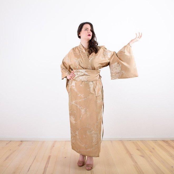 Seiden-Kimono   Credits: KimonoManufaktur