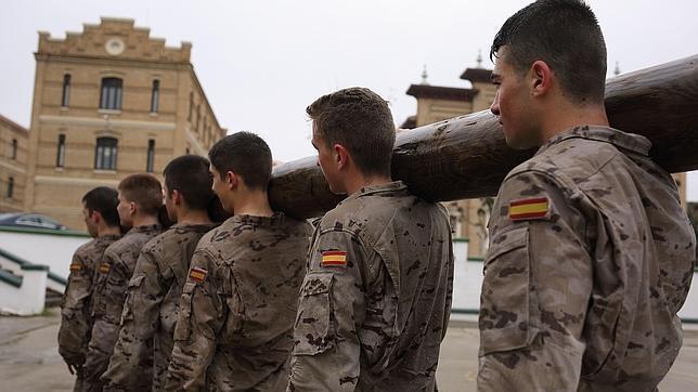 Cadetes Ejército Español- ABC.es 7 Beneficios de Entrenar en Casa