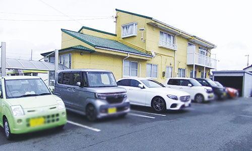 南隣にあるキムラ歯科駐車場