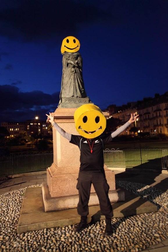 Smiley, Warrior Square, St. Leonards, copyright, Dave Reading, 2016