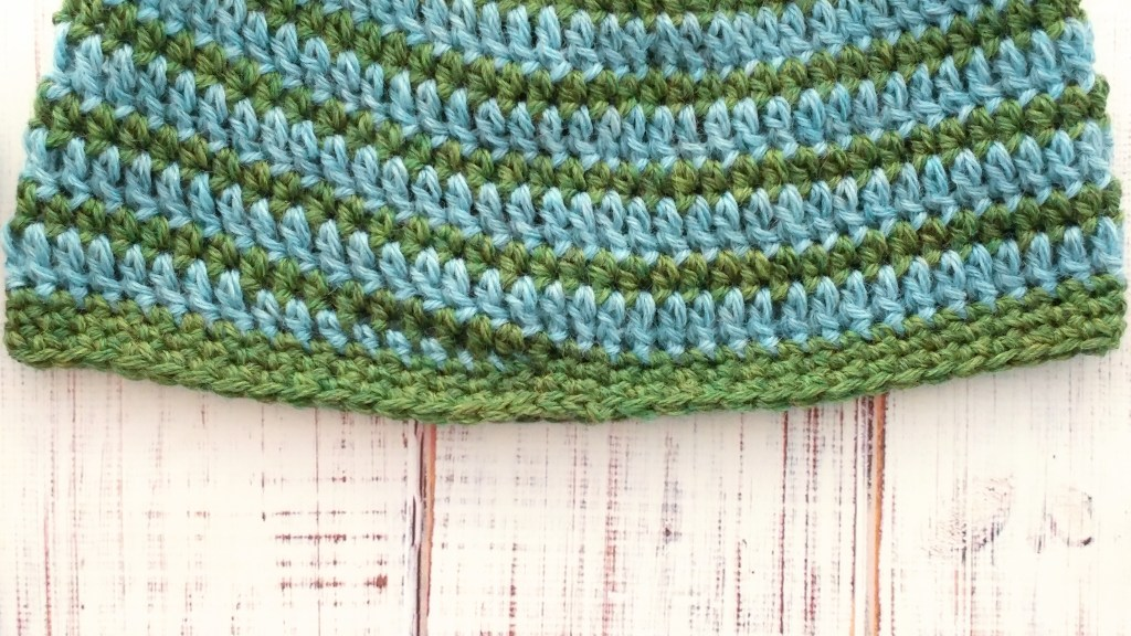 Close-up of last round of hat.